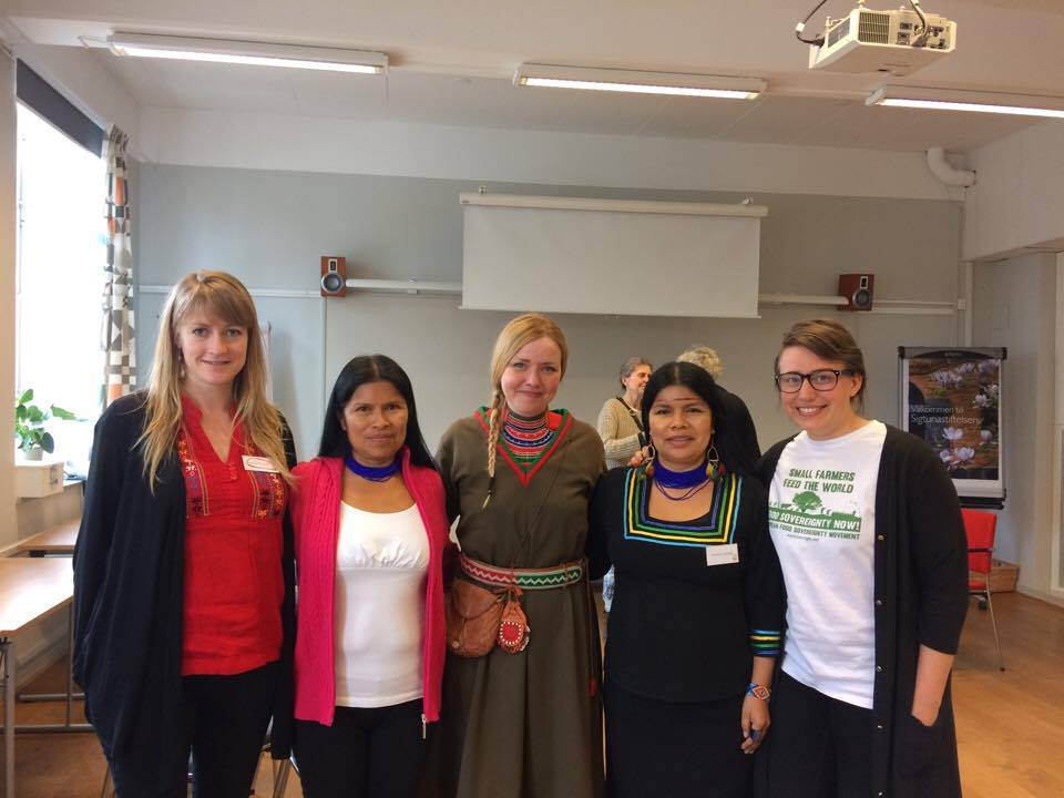 Karin Ericsson, Noemi Gualinga, Marie Persson Njajta, Patricia Gualinga och Anna Nylander på Earth Rights Conference.