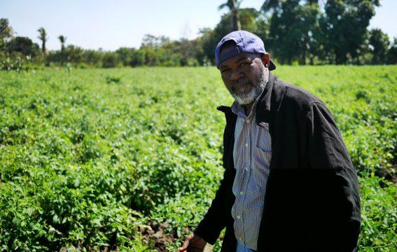 Hero Perez är koordinatör på småbrukarorganisationen ANC på Dominikanska Republiken. Foto: Lari Honkanen