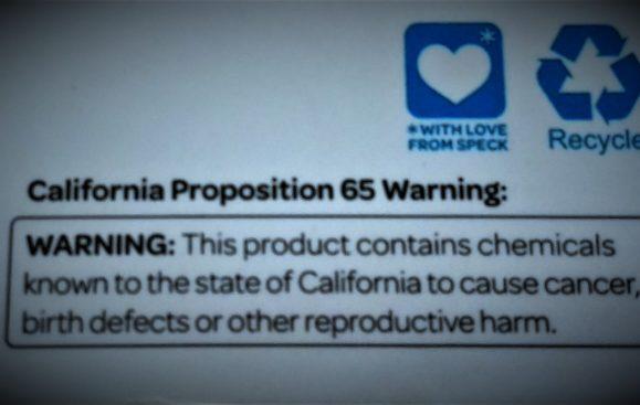 Numera måste alla glyfosatprodukter förses med denna cancervarning i Kalifornien. Foto Lari Honkanen