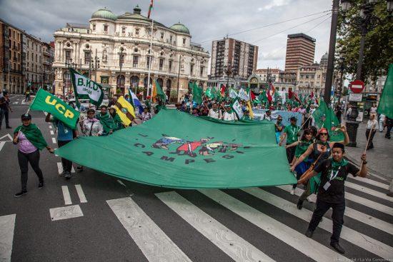 La Via Campesinas slutmarsch i Bilbao i juli 2017. Foto La Via Campesina