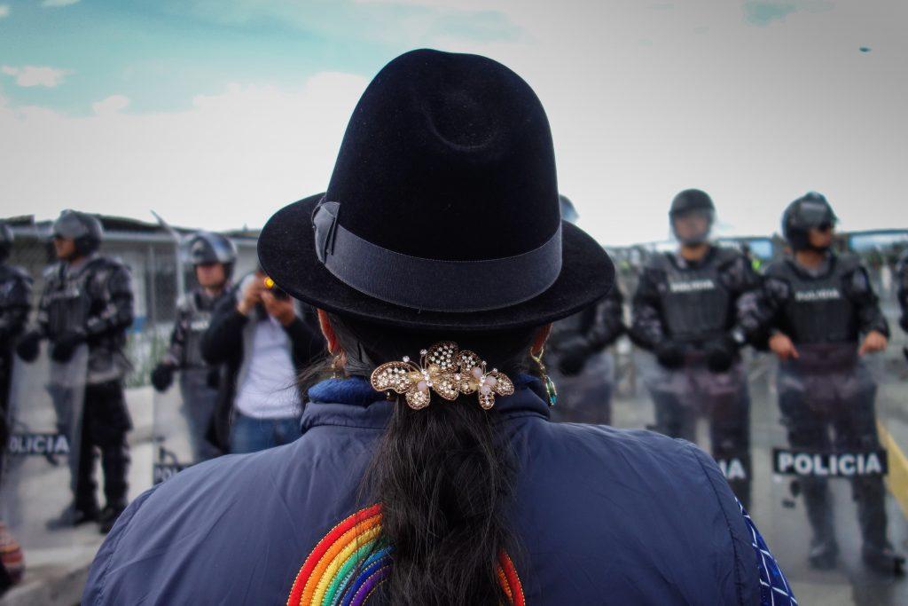Enligt urfolksorganisationen Conaie är, i skrivande stund, cirka 40 personer förföljda och 60 personer på andra sätt kriminaliserade i Ecuador. Foto: Hanna Rissler