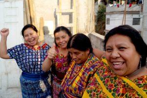 Ana Maria Top, Rafaela Chacach, Cristina Piri och Esperanza Ubac, AGIMS, Waqib' Kejs basorganisation i San Juan Sacatepéquez. Jobbar mot våld mot kvinnor och försvar av Moder Jord. Foto Anna Nylander